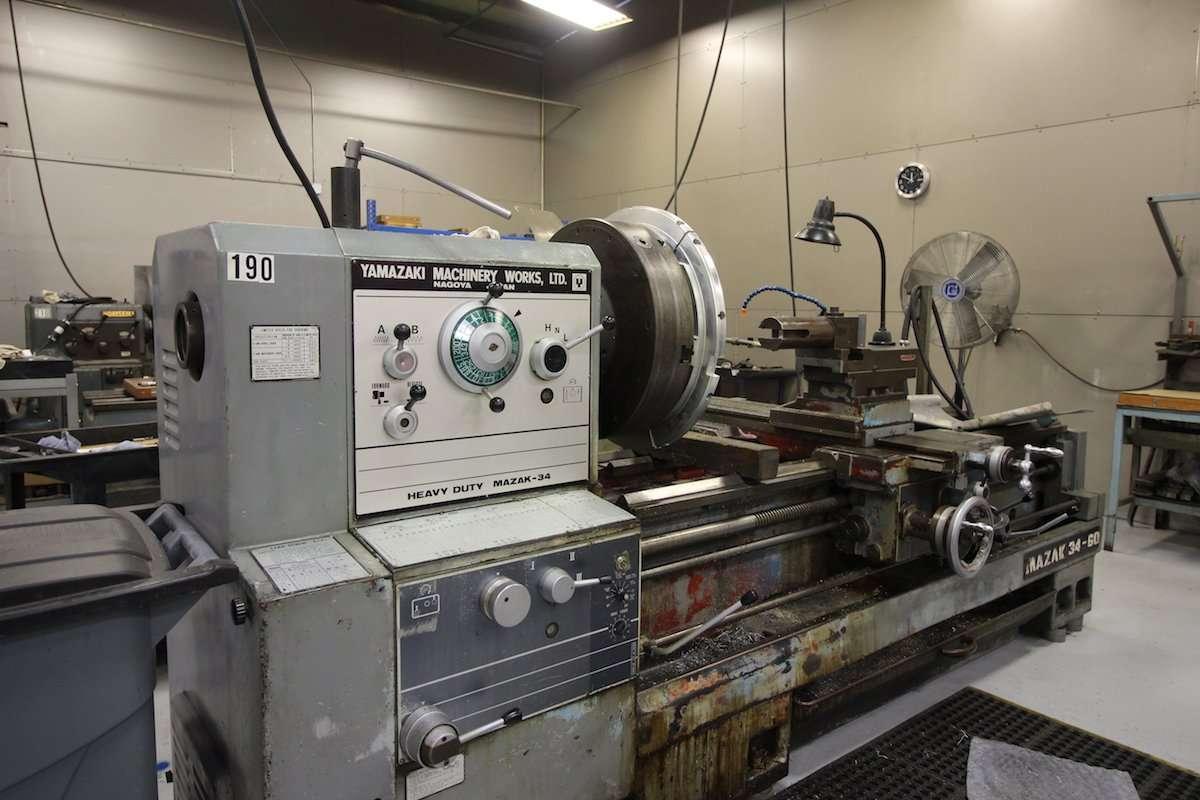 Manually Machining - Manual Lathe